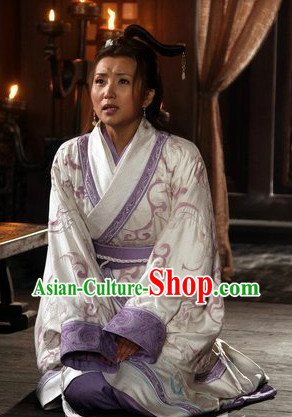 Wang Zhaojun Clothes and Accessories