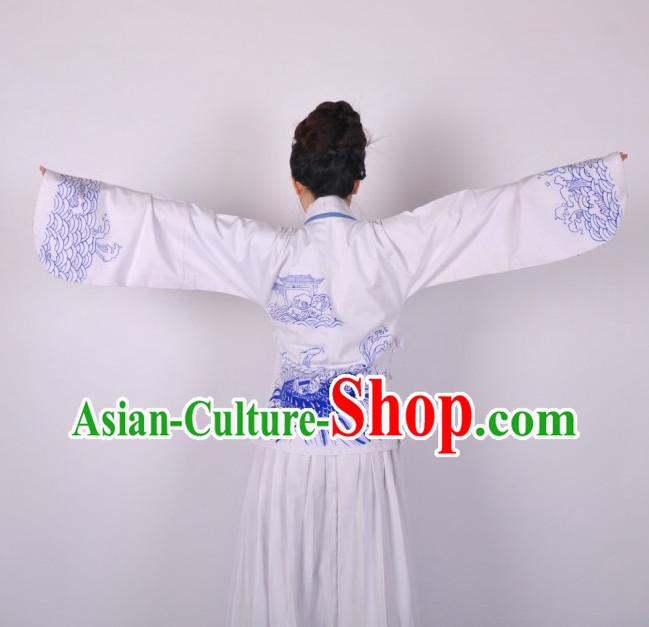 Handmade and Painted Fish and Wave Hanfu Garment for Women