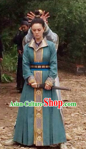 Chinese Tang Dynasty Oriental Clothing