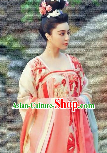 China Tang Dynasty Costumes and Hair Jewelry