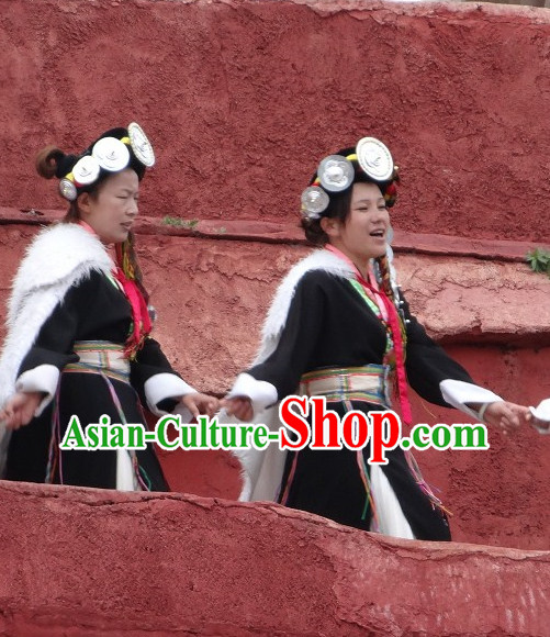 Yunnan Naxi Clothes and Ornaments