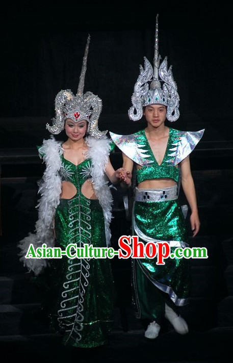 Chinese Yunan Xishuang Banna Dai Minority Men and Women's Clothing