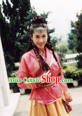 China Wuxia Film Costumes and Hair Accessories for Women