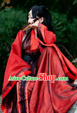 Traditional Red Swordswoman Costume of China
