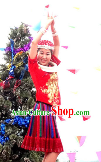 China Miao Minority Ethnic Clothing and Miao Silver Accessories for Women