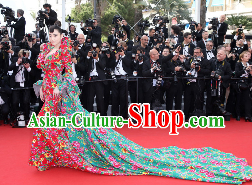 China Traditional Dongbei Province Style Flower Costumes Complete Set for Women