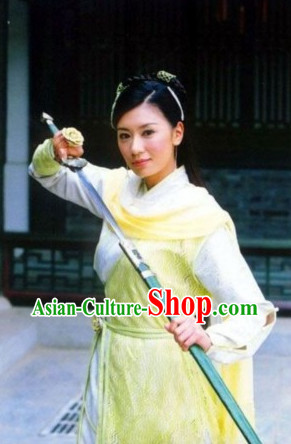 Chinese Ancient Swordwoman Costumes and Hair Accessories