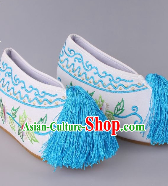 Chinese Beijing Opera Hua Dan Hua Tan Embroidered Flower Shoes for Women