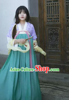Ancient Chinese Tang Dynasty Clothes for Ladies
