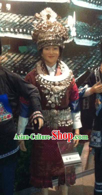 Miao People Daily Wear and Accessories Complete Set