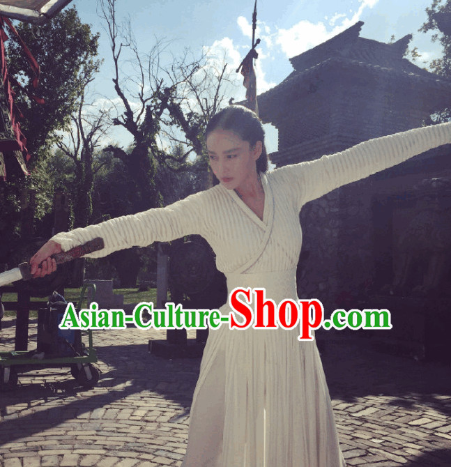 Pure White Swordwoman Hanfu Dresses