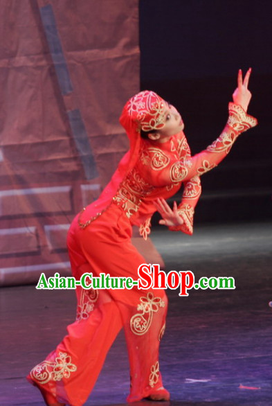 Chinese Xinjiang Group Dance Costumes and Hat for Women