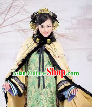Chinese Classical Noblewomen Costumes and Hair Jewelry Complete Set