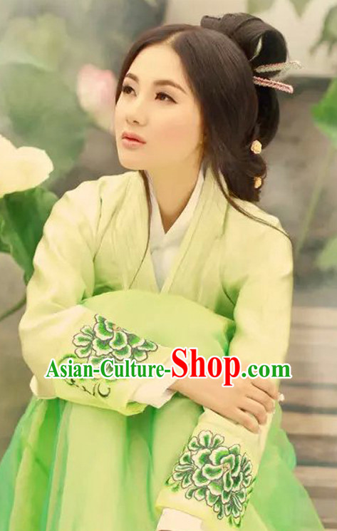 Light Green Chinese Classic  Han Dynasty Clothes Garment and Hair Jewelry Complete Set for Women