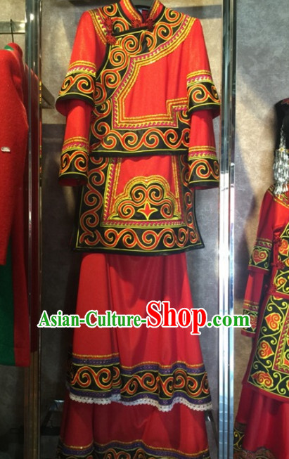 Chinese Folk Ethnic Traditional Garment Suits and Hat Complete Set for Women