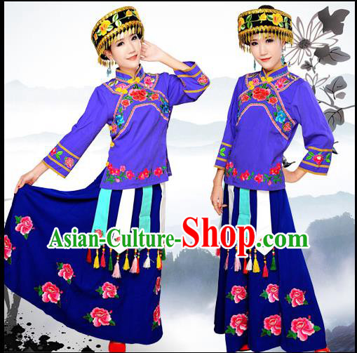 Traditional Chinese Molao Nationality Dancing Costume, Guangxi Molao Female Folk Dance Ethnic Pleated Skirt and Hat, Chinese Minority Nationality Embroidery Costume for Women