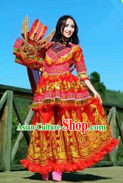 Traditional Chinese Miao Nationality Wedding Costume, Luxury Female Folk Uigurian Dance Ethnic Pleated Long Skirt, Chinese Minority Nationality Embroidery Costume for Women