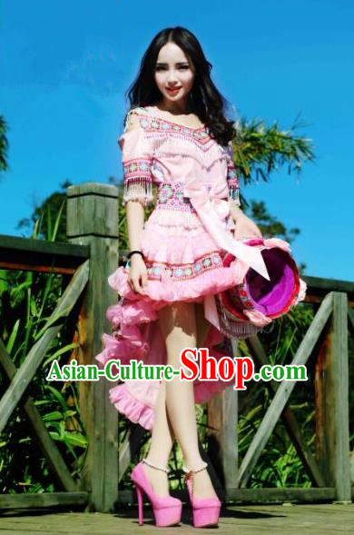 Traditional Chinese Miao Nationality Costume, Hmong Luxury Female Folk Dance Ethnic Pleated Skirt, Chinese Minority Nationality Embroidery Costume for Women