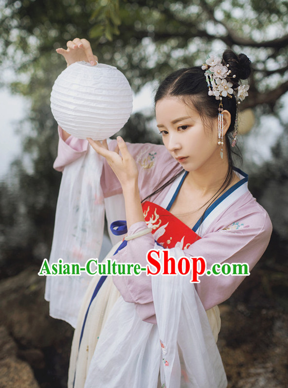 Chinese Folk Tang Dynasty Clothing and Headpieces for Women