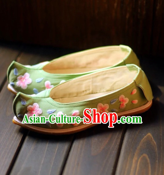 Handmade Chinese Ancient Embroidered Flower Princess Shoes for Women and Girls