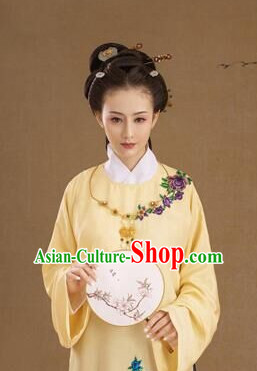 Ming Dynasty Chinese Women Clothing
