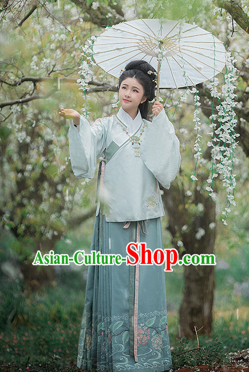 Ancient Chinese Ming Dynasty Clothing Garment and Hair Accessories Complete Set for Women