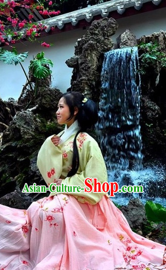 Ancient Chinese Clothing Dress Garment and Headdress Complete Set for Women