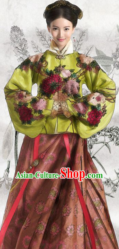 Chinese Ming Dynasty Women's Clothing _ Apparel Chinese Traditional Dress Theater and Reenactment Costumes and Headwear Complete Set