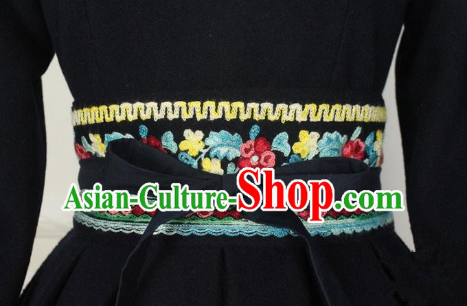 Traditional Chinese Embroidered Corset Heavy Embroidery Wool Wide Belt for Women