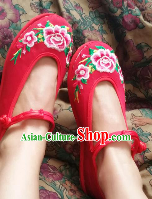 Traditional Chinese National Red Wedding Shoes Embroidered Shoes, China Handmade Shoes Hanfu Embroidery Peony Shoes for Women