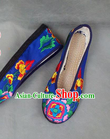 Traditional Chinese National Blue Satin Shoes Embroidered Shoes, China Handmade Shoes Hanfu Embroidery Peony Shoes for Women