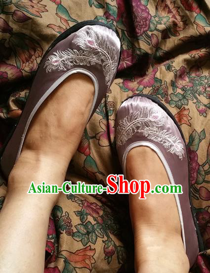 Traditional Chinese National Embroidered Shoes Handmade Lilac Satin Shoes, China Hanfu Embroidery Feather Shoes for Women