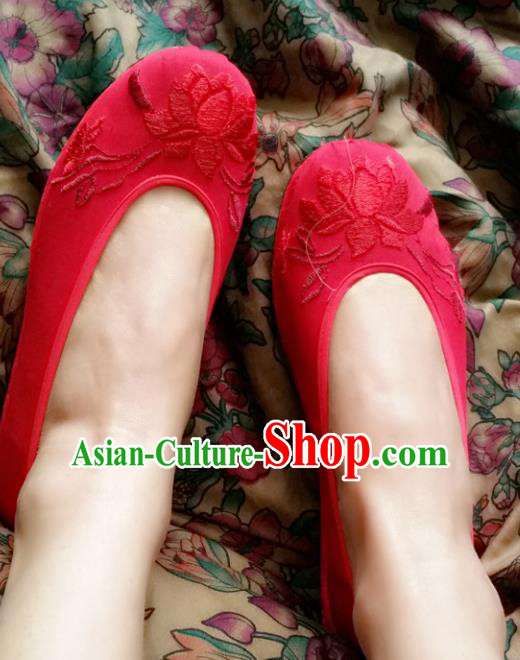 Traditional Chinese National Embroidered Shoes Handmade Bride Red Cloth Shoes, China Hanfu Embroidery Flowers Wedding Shoes for Women