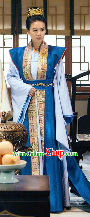 Traditional Chinese Song Dynasty Swordswoman Costume, Asian China Ancient Heroine Embroidered Clothing for Women