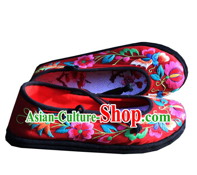 Asian Chinese Traditional Shoes Wedding Bride Red Embroidered Shoes, China Peking Opera Handmade Embroidery Peony Hanfu Shoes for Women