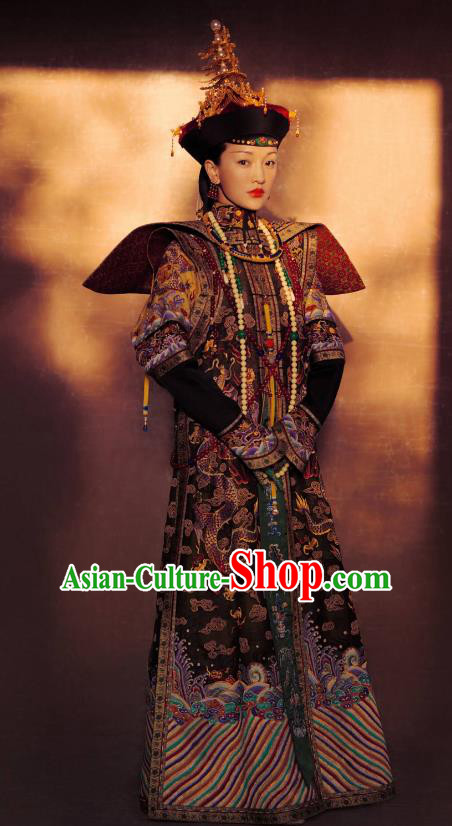 Traditional Ancient Chinese Qing Dynasty Palace Lady Manchu Empress Embroidered Costume and Handmade Headpiece Complete Set for Women