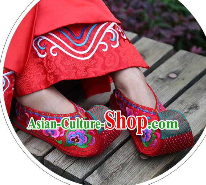 Traditional Chinese Ancient Princess Wedding Red Cloth Shoes Embroidered Shoes, China Handmade Embroidery Hanfu Shoes for Women