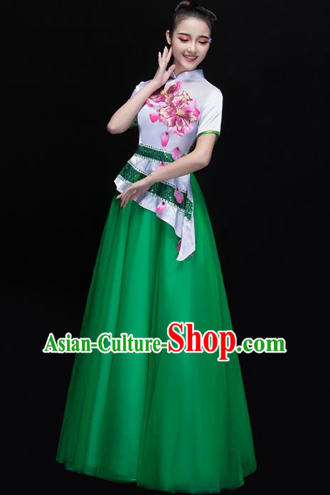 Traditional Chinese Modern Dance Costume, Opening Dance Chorus Singing Group Green Dress for Women