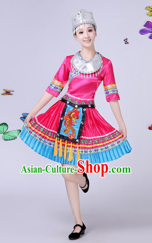 Traditional Chinese Miao Nationality Dance Costume, Chinese Minority Hmong Folk Dance Rosy Pleated Skirt Embroidery Costume for Women