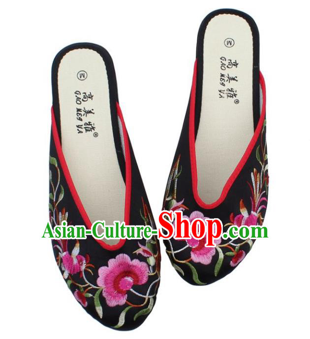 Traditional Chinese National Bride Black Satin Embroidered Shoes, China Handmade Embroidery Phoenix Peony Hanfu Slippers for Women