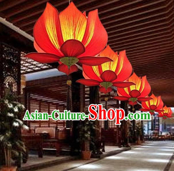 Traditional Chinese Handmade Red Silk Lotus Palace Lantern China Ceiling Palace Lamp