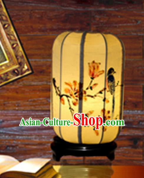 Traditional Chinese Handmade Painting Mangnolia Birds Palace Lantern China Desk Palace Lamp