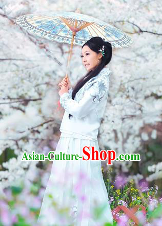 Traditional Ancient Chinese Costume, Chinese Late Qing Dynasty Young Lady Dress Beige Blouse, Republic of China White Embroidered Clothing for Women