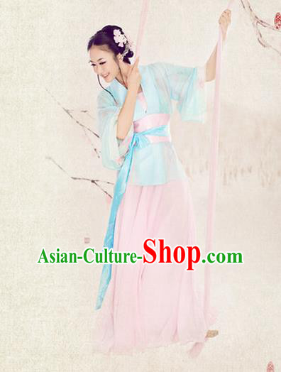 Traditional Ancient Chinese Female Costume, Elegant Hanfu Clothing Chinese Han Dynasty Imperial Princess Embroidered Clothing for Women