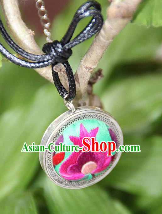 Traditional Chinese Miao Nationality Crafts, Hmong Handmade Miao Silver Embroidery Flowers Round Pendant, Miao Ethnic Minority Black Rope Necklace Accessories Pendant for Women