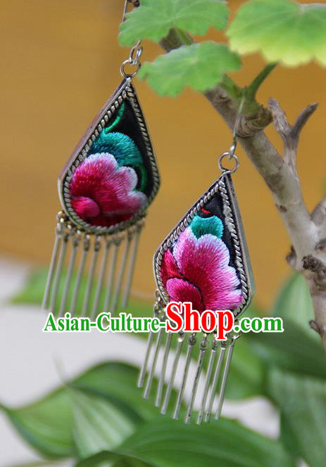 Traditional Chinese Miao Nationality Crafts, Hmong Handmade Miao Silver Embroidery Miao Silver Tassel Earrings, Miao Ethnic Minority Eardrop Accessories Ear Pendant for Women