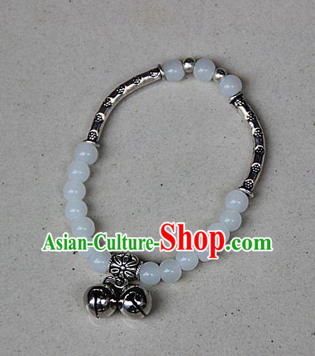 Traditional Chinese Miao Nationality Crafts Jewelry Accessory Bangle, Hmong Handmade Miao Silver White Beads Bracelet, Miao Ethnic Minority Double Bells Bracelet Accessories for Women