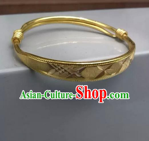 Traditional Chinese Miao Nationality Crafts Jewelry Accessory Bangle, Hmong Handmade Miao Fine Bopper Bracelet, Miao Ethnic Minority Bracelet Accessories for Women