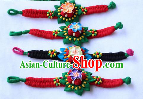Traditional Chinese Miao Ethnic Minority Palace Jewelry Accessories Wristbands Bracelet, Hmong Handmade Bracelet Chain Bracelet for Women