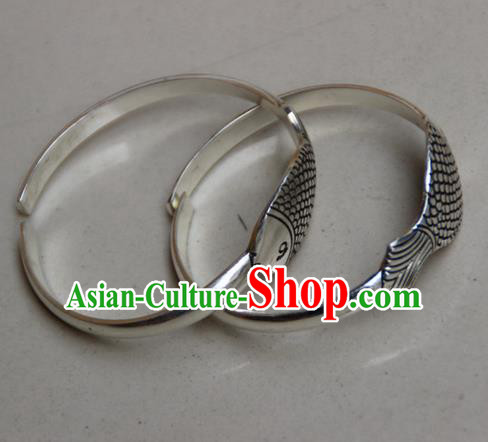 Traditional Chinese Miao Ethnic Minority Miao Silver Double Fish Bracelet, Hmong Handmade Bracelet Jewelry Accessories for Women